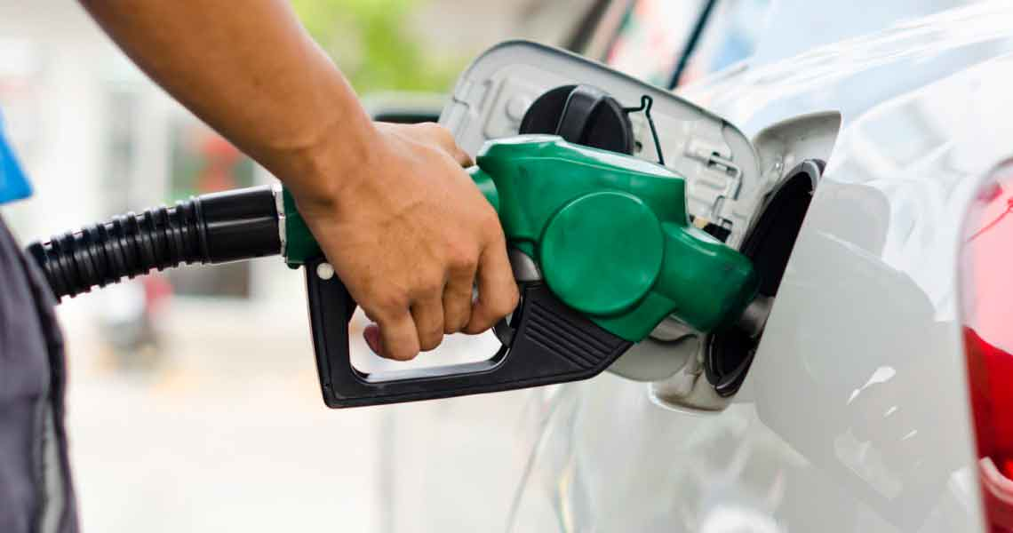 surtir gasolina
