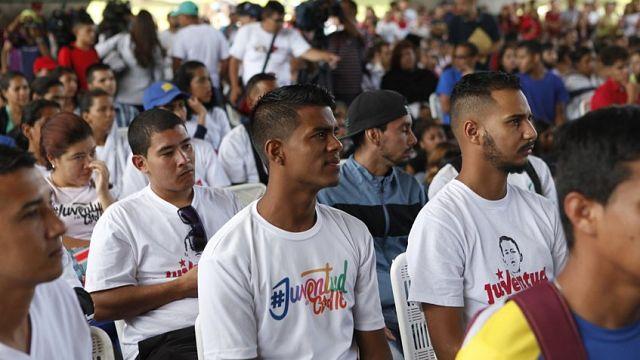 Brigadistas de Misión Venezuela y Chamba Juvenil supervisarán abastecimiento y precios — Maduro