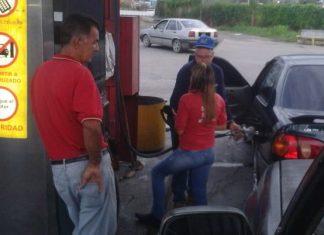 estacion de gasolina pide carnet de la patria