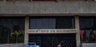 ministerio de educacion paga semanalmente a sus trabajadores