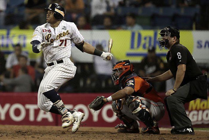 Isaías Tejeda, Leones del Caracas