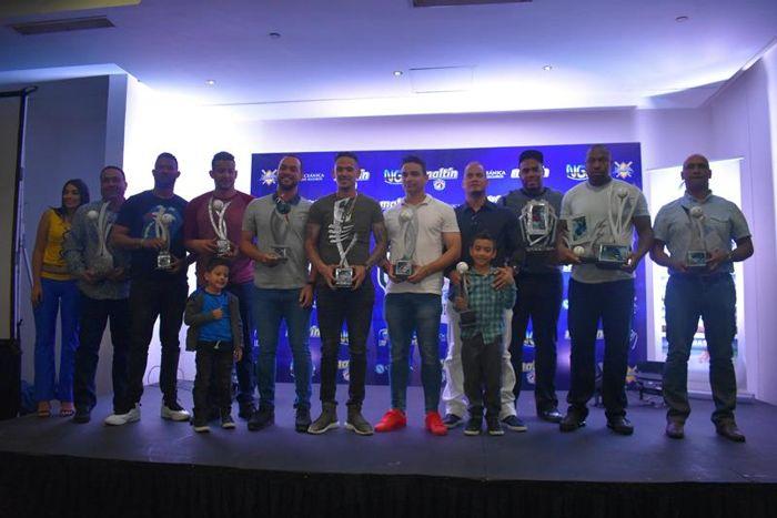 Entrega de premios a los mejores jugadores de la LVBP.