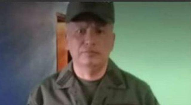 Coronel de la Guardia Nacional, Robert Alexander Peralta Echenique, se suicido.