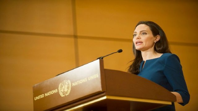 Enviada especial de ACNUR, Angelina Jolie.