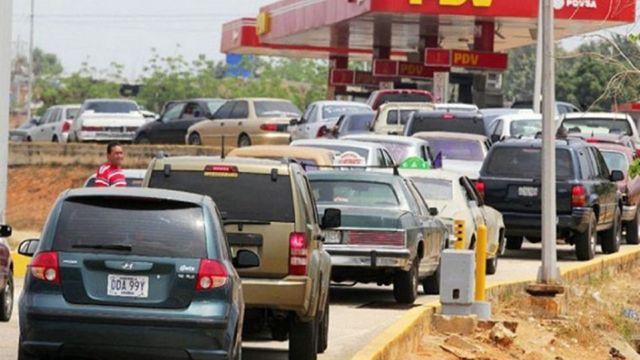 esquema de distribución de gasolina