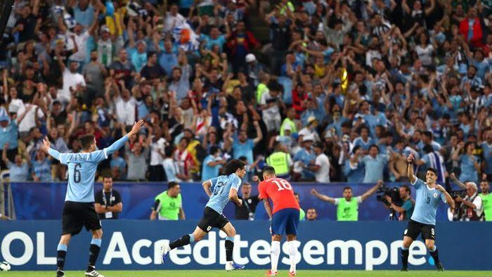 Gol de Edinson Cavani, Uruguay