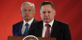 Jefe de la unidad de inteligencia financiera de Hacienda, Santiago Nieto