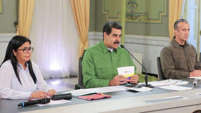 Maduro junto a Delcy Rodríguez y Tareck El Aissami.