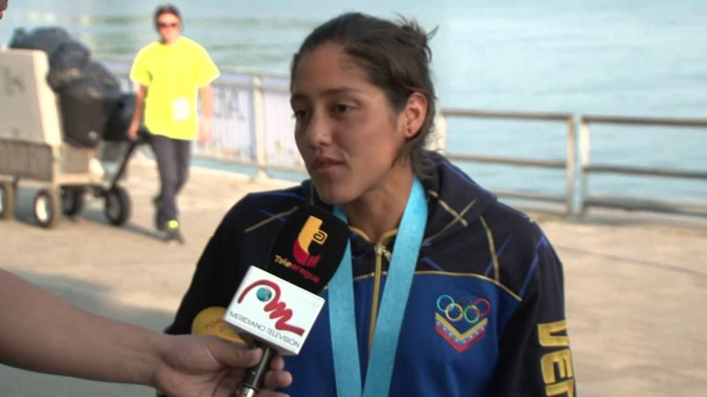 Paola Perez, Nadadora venezolana