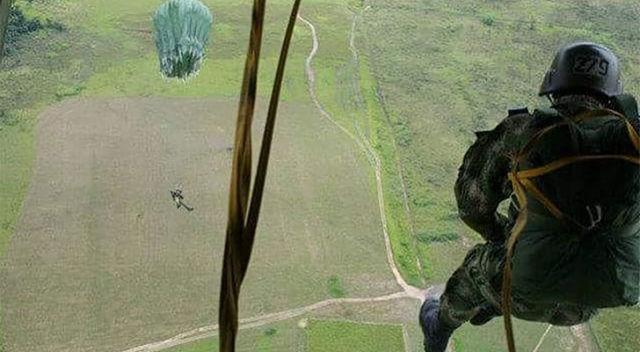 A Cadete venezolano le falla paracaídas y mira lo que sucede +VIDEO