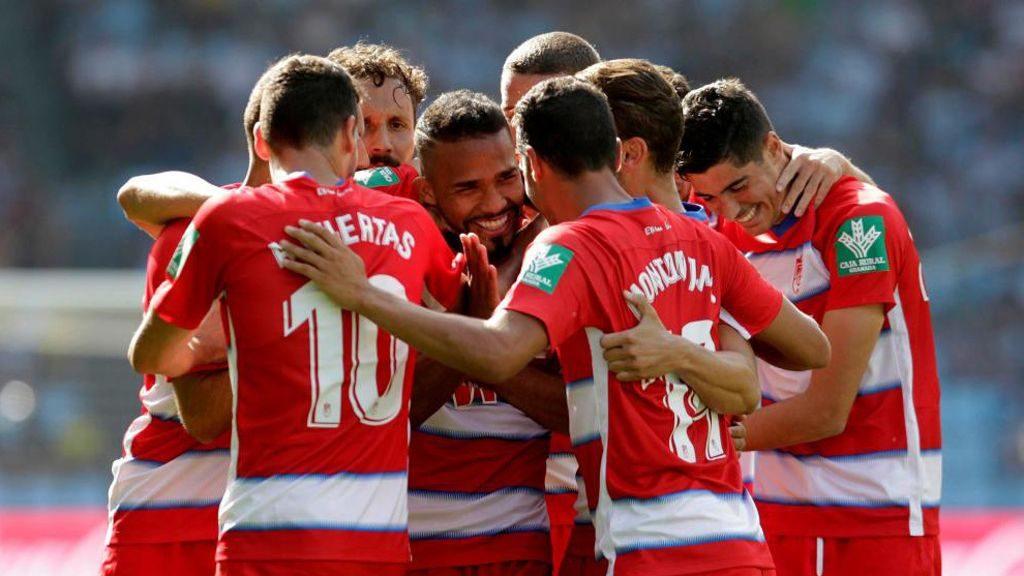 Yangel Herrera celebrando su gol con sus compañeros ante el Celta.