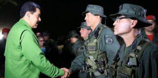 Nicolás Maduro supervisó ejercicios militares en Caracas.
