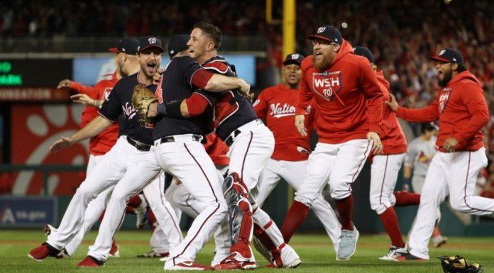 Washington celebrando el campeonato de la Nacional.
