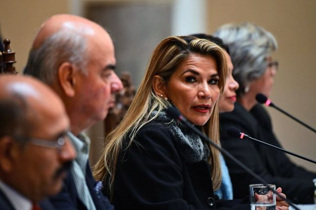 Jeanine, Añez, presidenta interina de Bolivia.