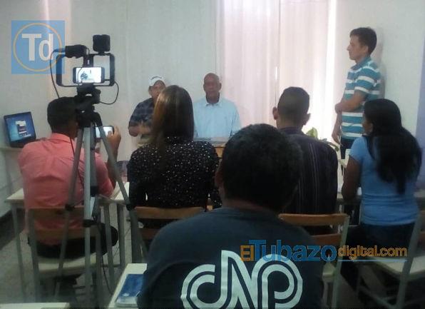 rueda de prensa con medios de la localidad