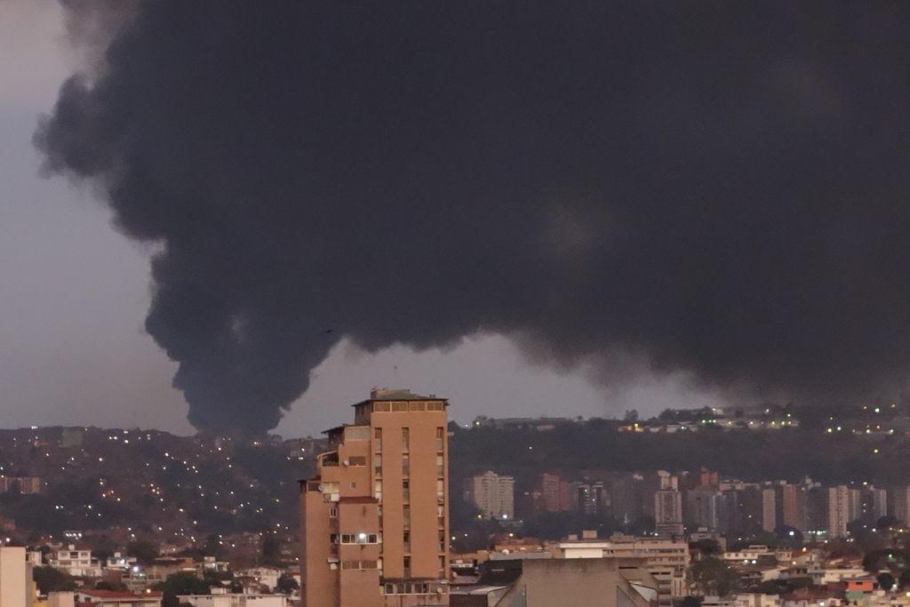 Tibisay Lucena se pronunció sobre el incendio que se registró en galpones del CNE.