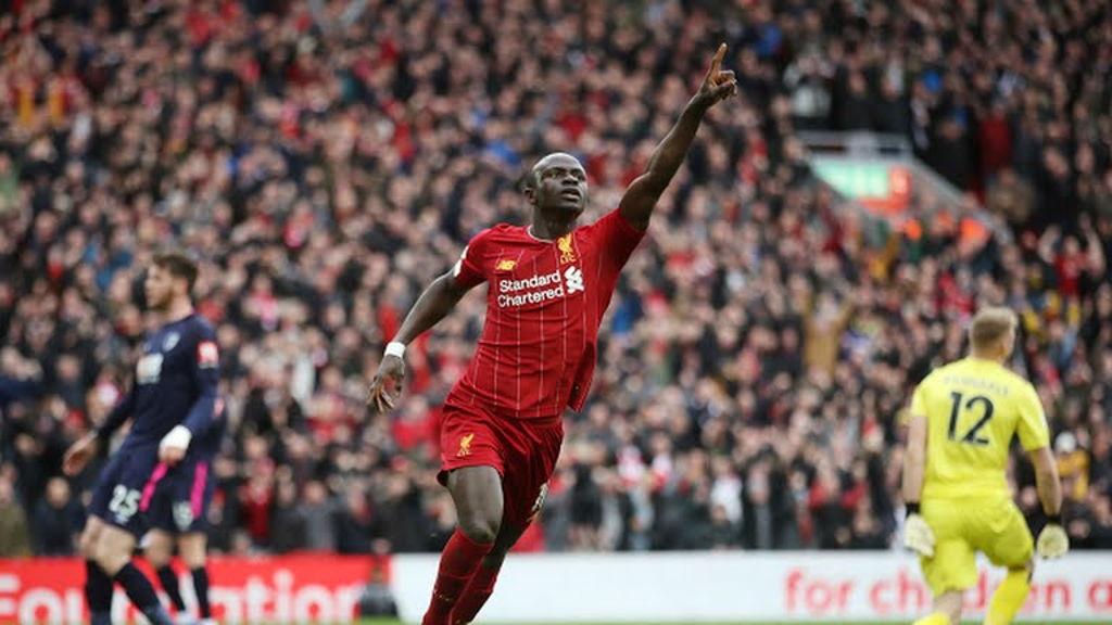 Liverpool vence a Bournemouth