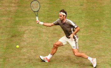 Federer disputando el torneo de Wimbledon