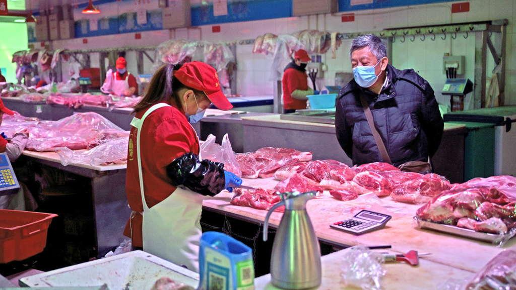 Prohíben venta y consumo de animales salvajes en Wuhan