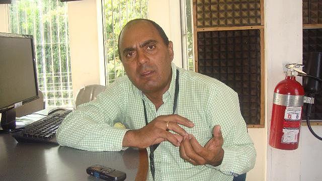 DE FRENTE - VÍCTOR HUGO DONAIRE