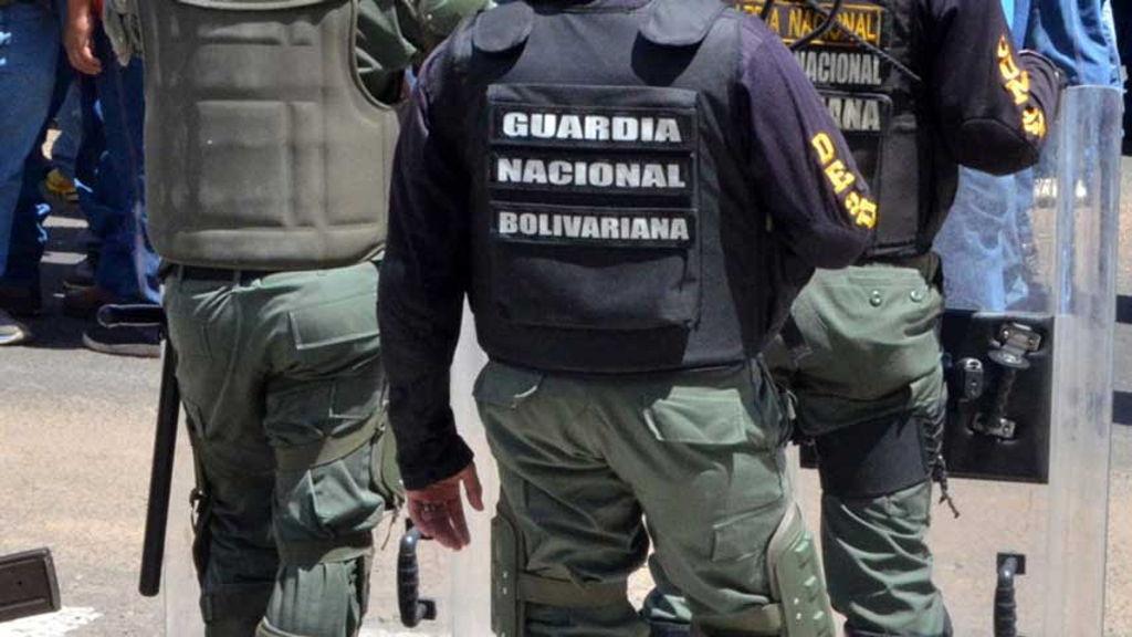 Ejército de Colombia detiene a presunto funcionario militar venezolano acusado de espionaje