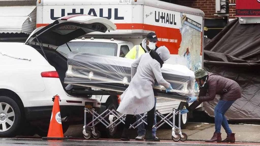 Estados Unidos registró más de mil muertes por covid-19 en las últimas 24 horas.