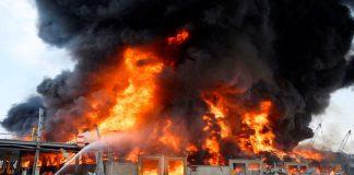 Incendio en el puerto de Beirut