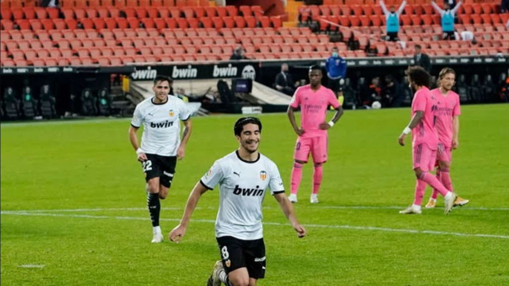 Valencia goleó al Real Madrid