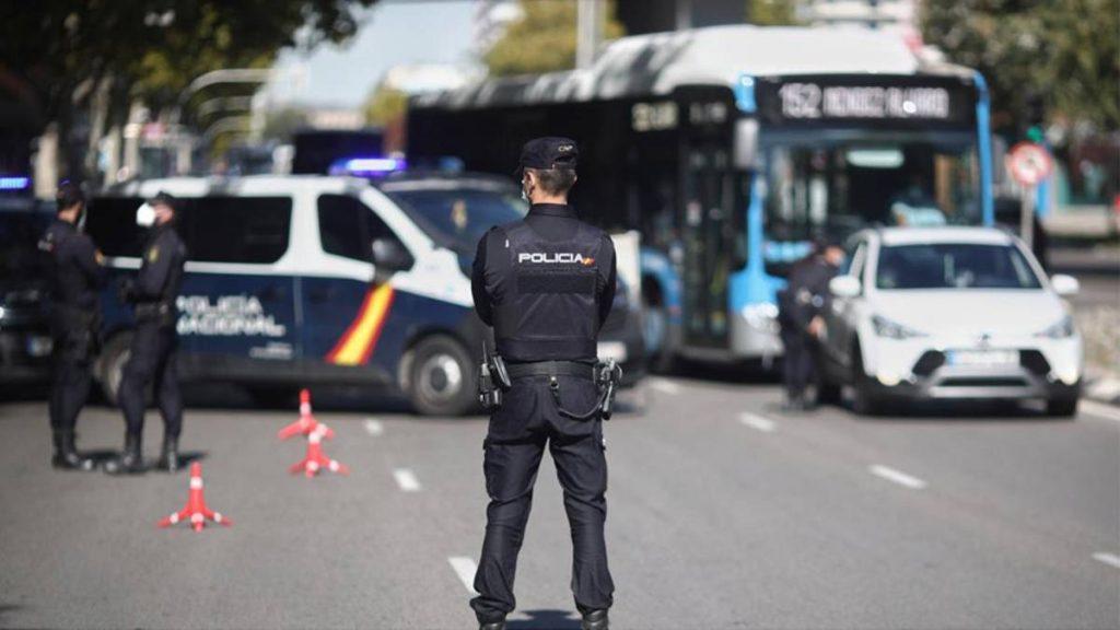 Policía incauta 600 licencias de conducir venezolanas falsas en España