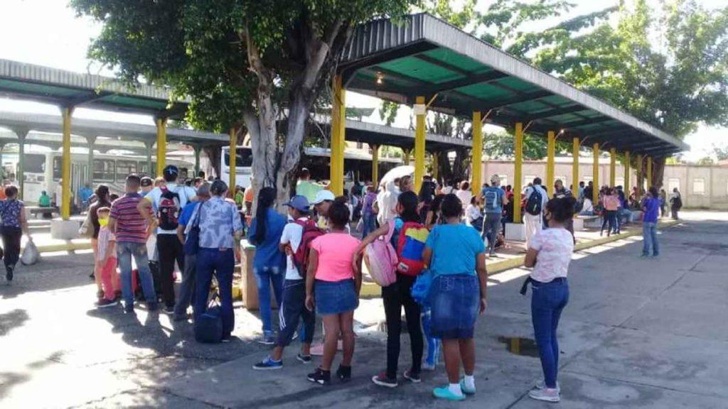 Enfermeros en Guárico deben caminar hasta 10 km por falta de transporte
